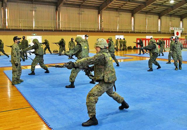 画像3: 師団格闘集合訓練 17人を部隊格闘指導官に認定|陸自3師団