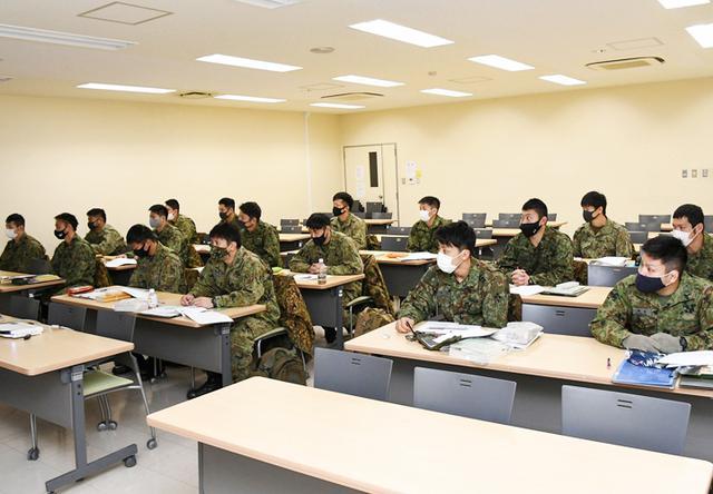 画像1: 師団格闘集合訓練 17人を部隊格闘指導官に認定|陸自3師団