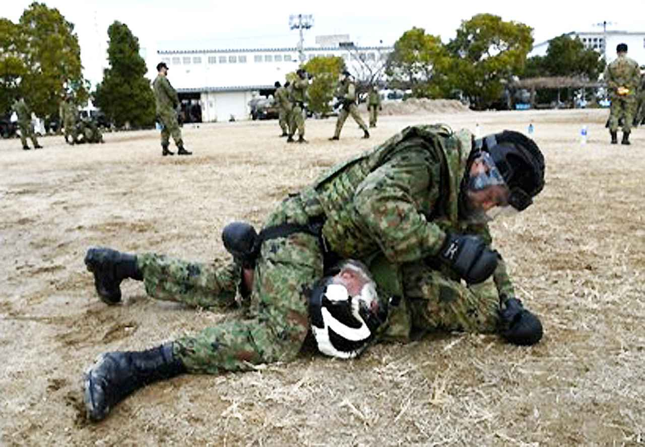 画像8: 師団格闘集合訓練 17人を部隊格闘指導官に認定 陸自3師団