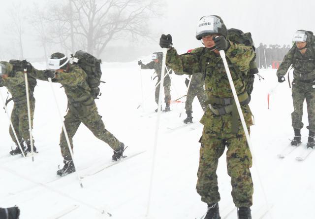 画像: 部隊機動の部:中隊の期待を背負いスタート