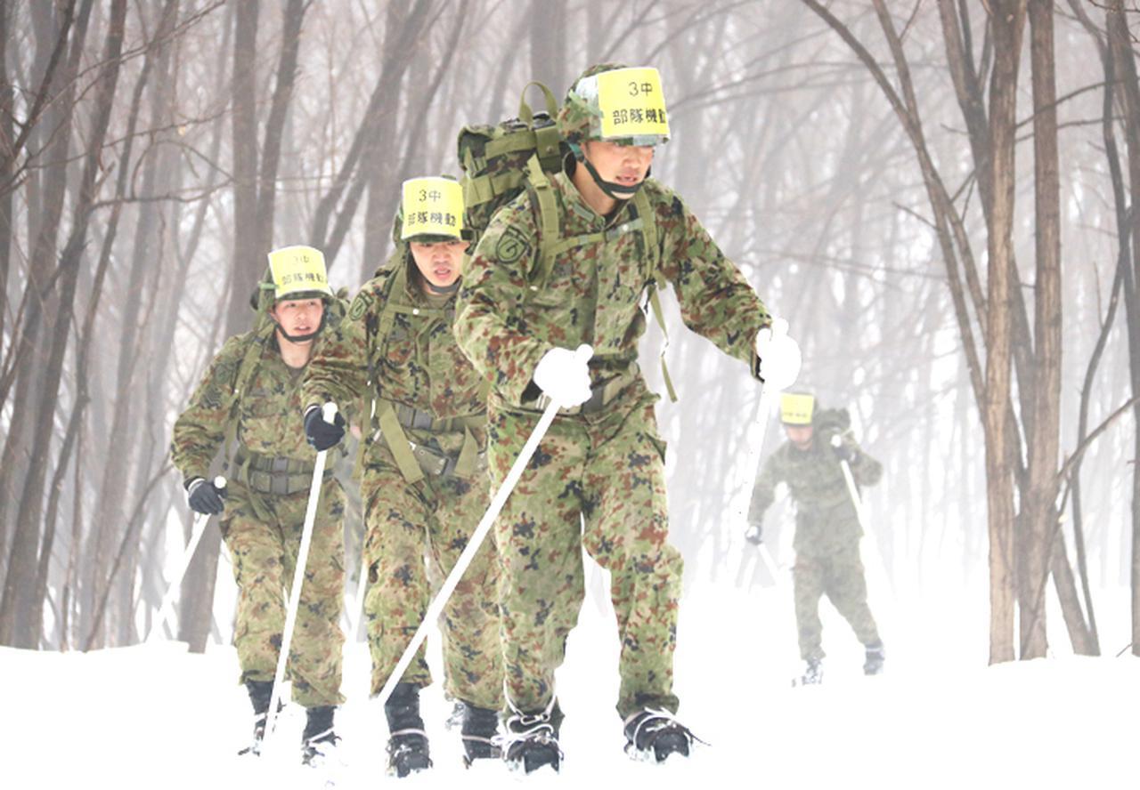 画像: 部隊機動の部:きつい上り坂も力強く