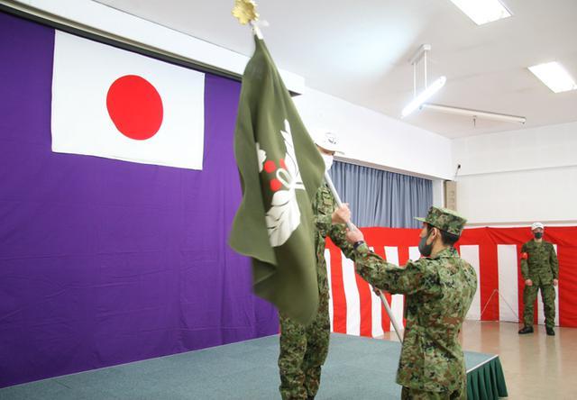 画像: 1月10日:真駒内駐屯地 遊撃旗授与