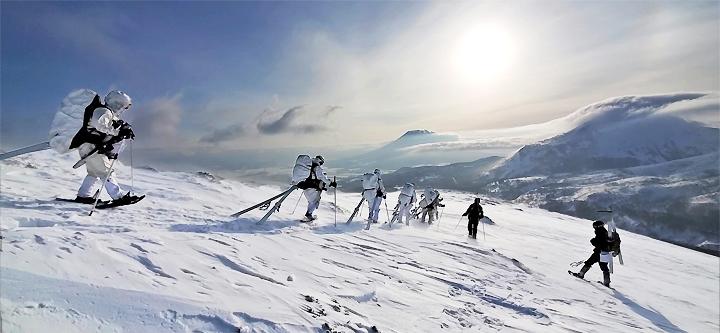 画像5: 1月27日:ニセコ地区 アンヌプリ山頂にて
