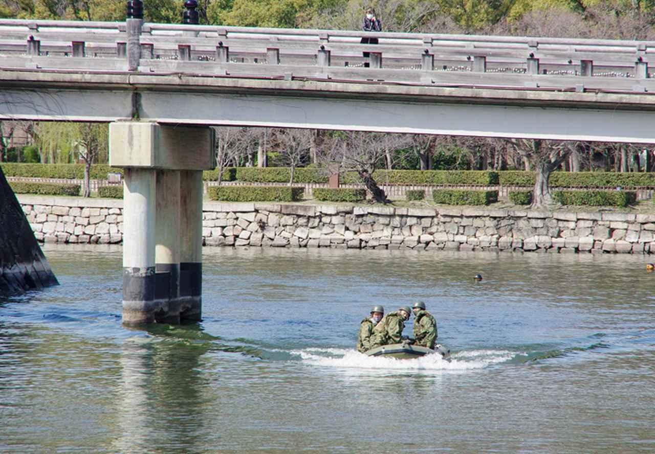 画像13: レンジャー隊員が大阪城で訓練 美化にも貢献 |伊丹駐屯地