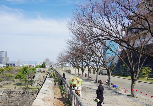 画像16: レンジャー隊員が大阪城で訓練 美化にも貢献 |伊丹駐屯地