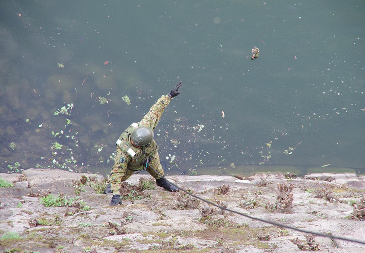 画像12: レンジャー隊員が大阪城で訓練 美化にも貢献 |伊丹駐屯地