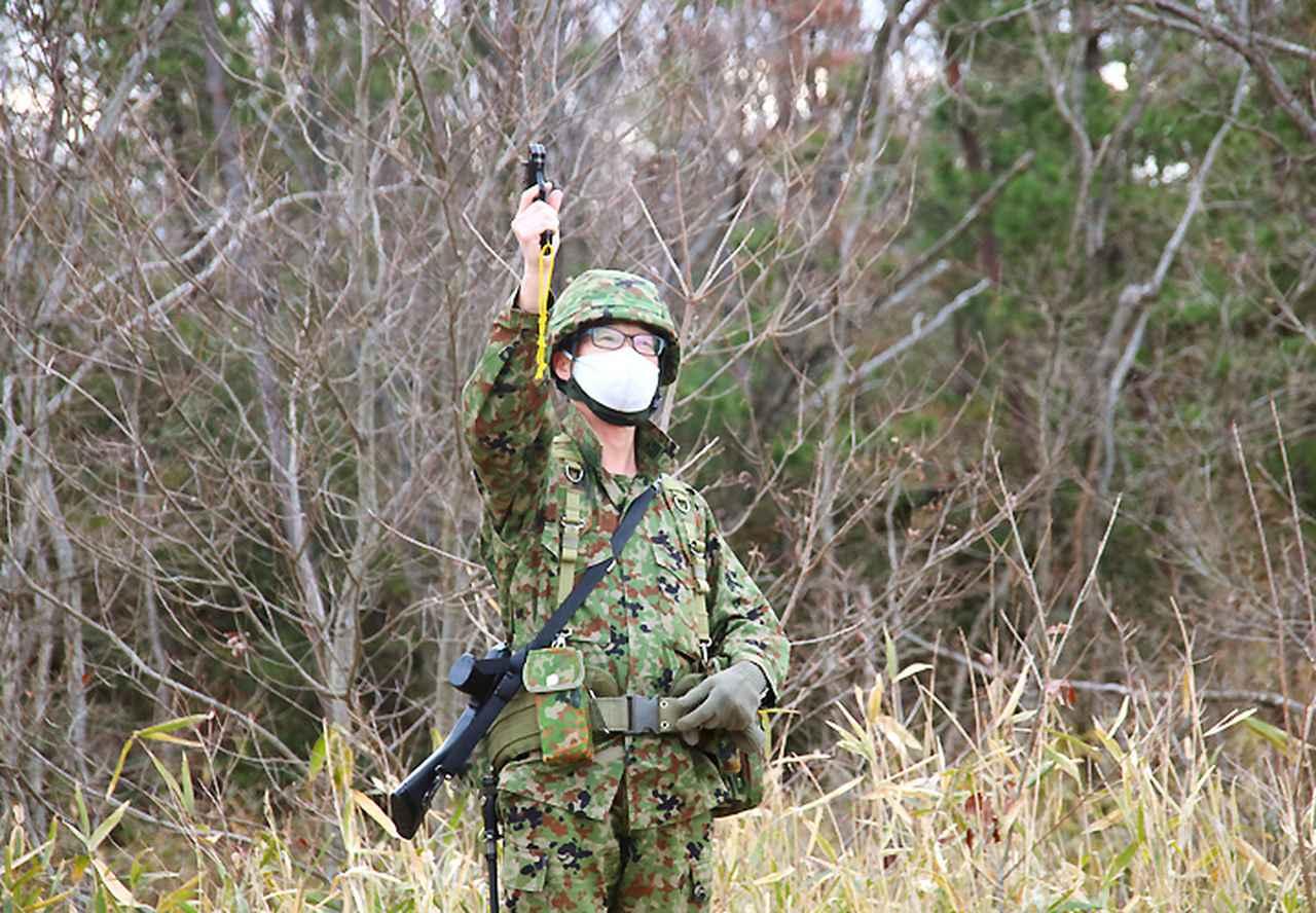 画像: 連隊長(東1陸佐)により武装走競技会の火蓋が切られた