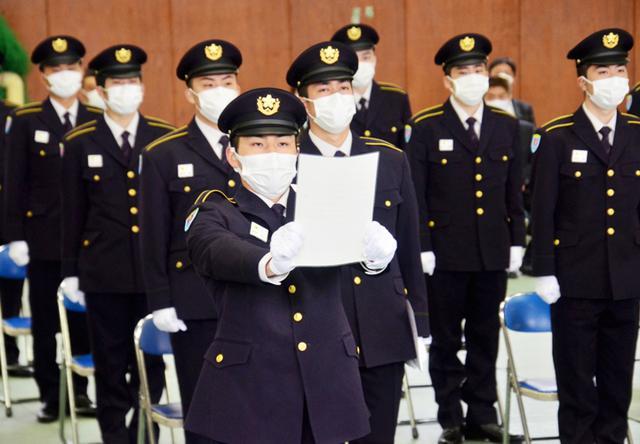 画像: 宣誓する候補生