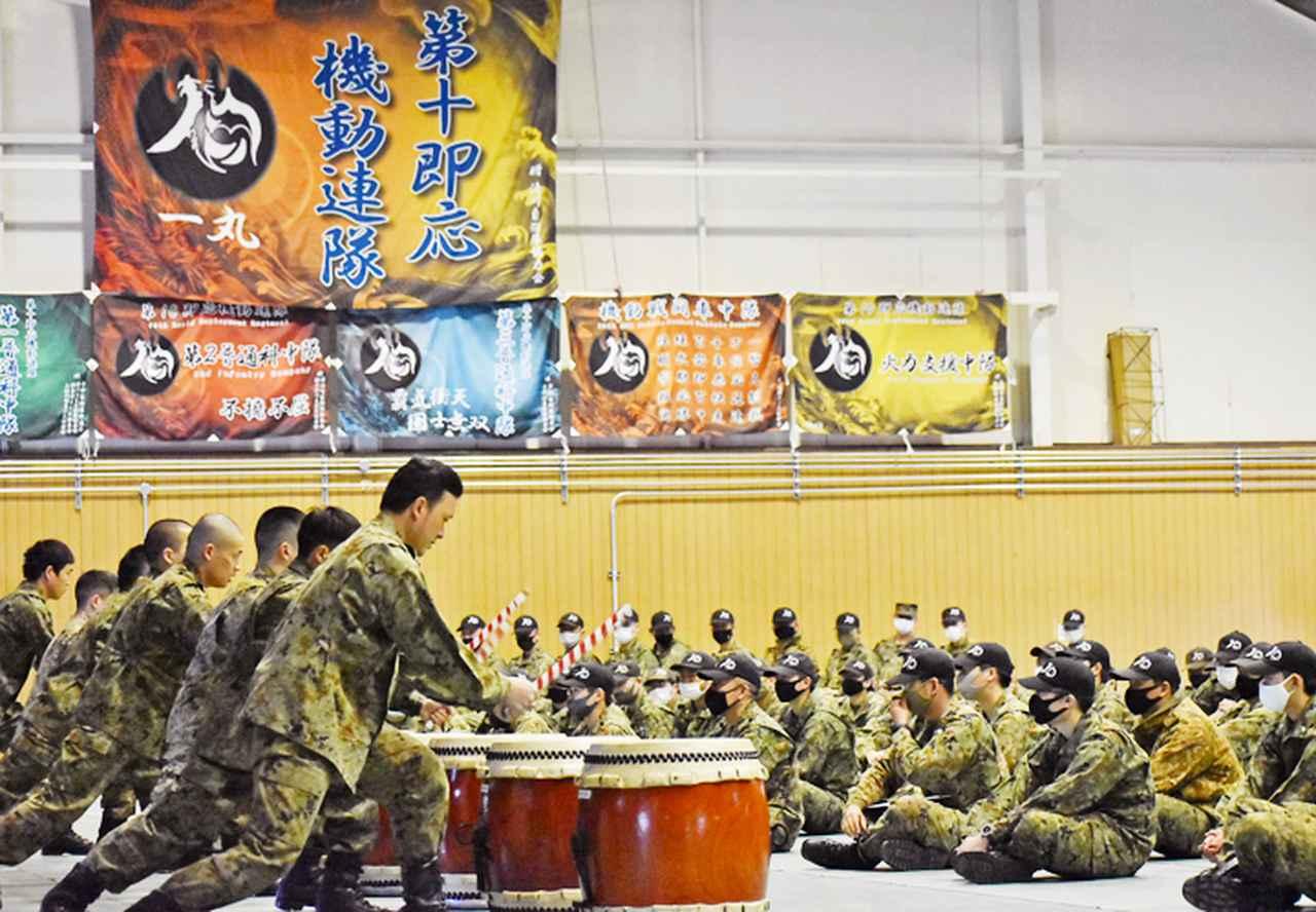 画像1: しぶき太鼓による演奏