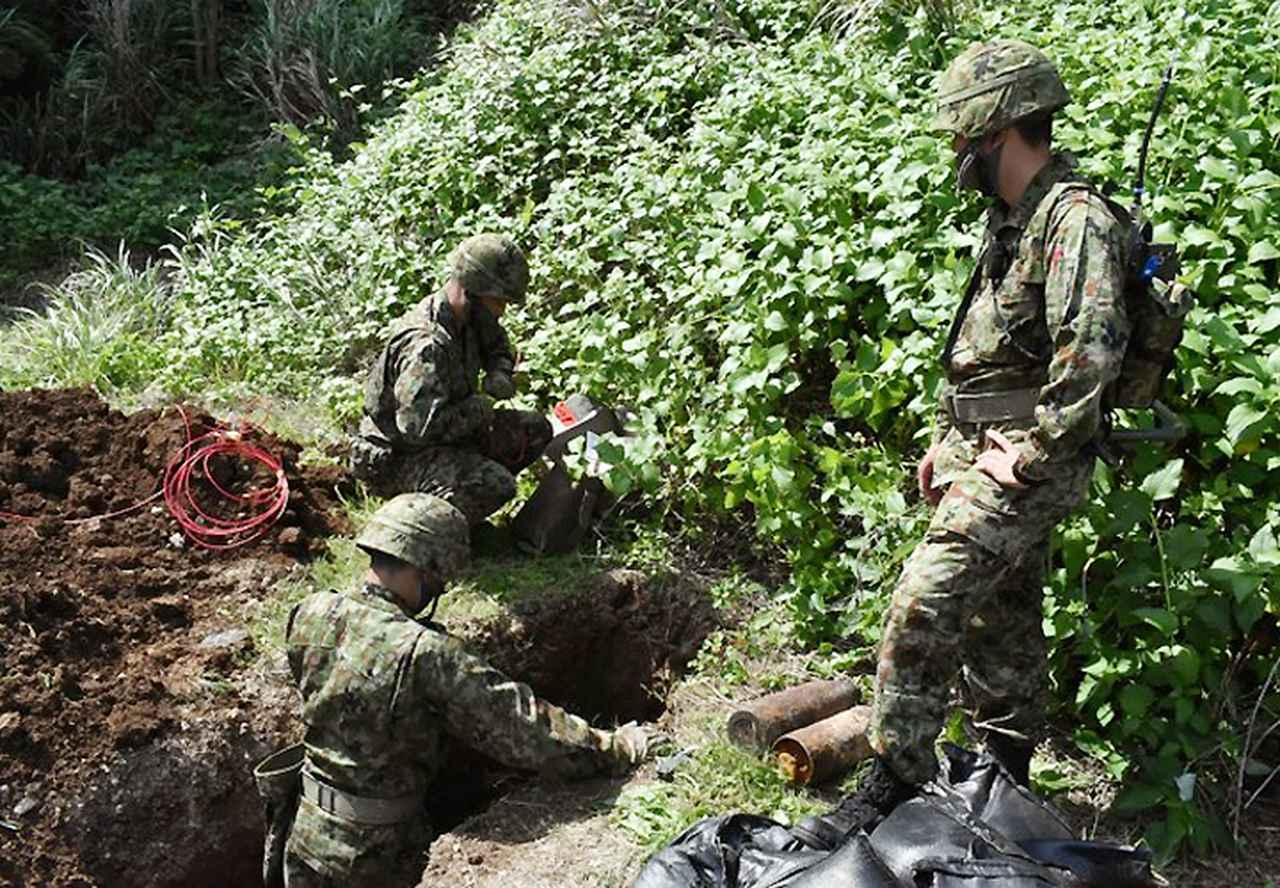 画像1: 沖縄県伊江島で不発弾処分 平成26年以来6年ぶり|陸自15旅団101不発弾処理隊