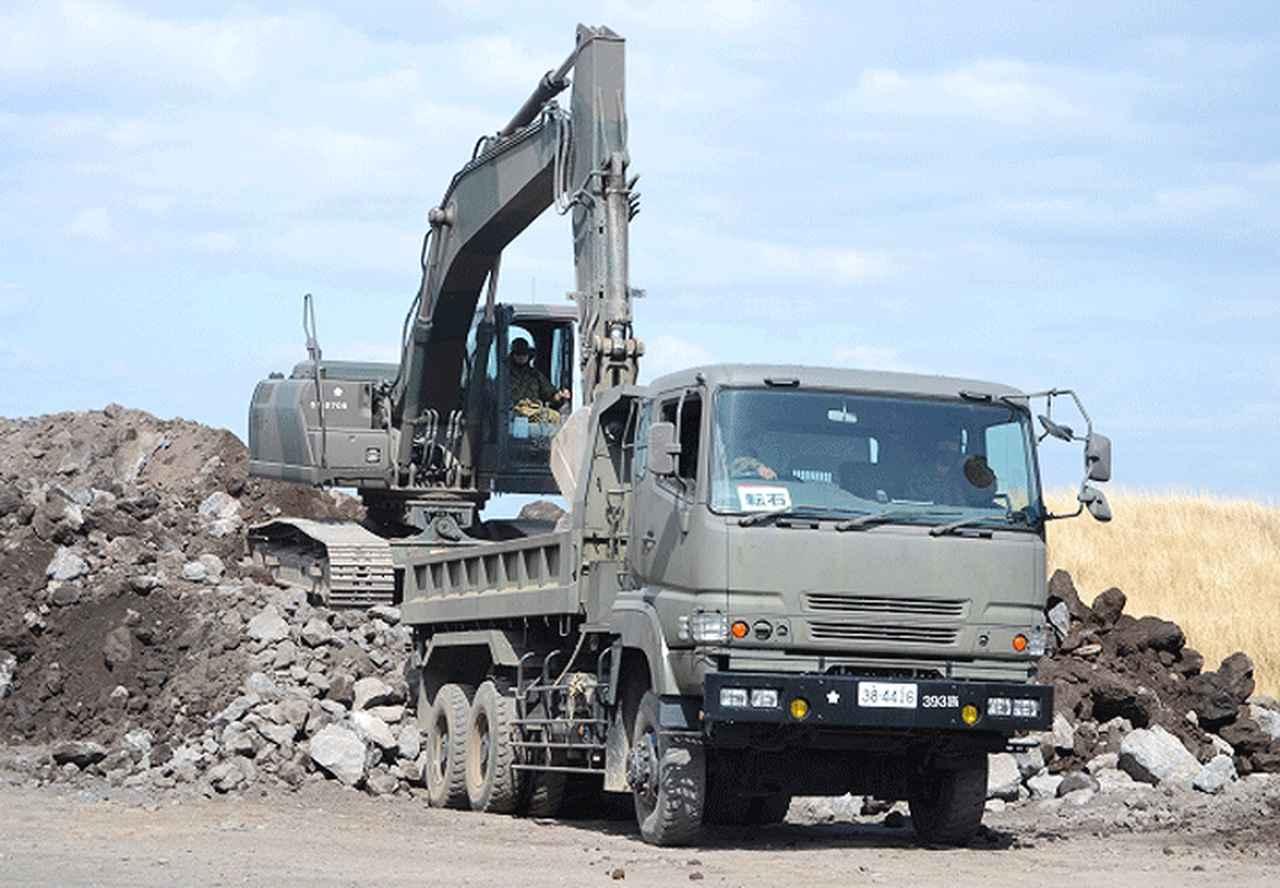 画像1: 東富士演習場定期整備に2直接支援中隊が参加|高田駐屯地