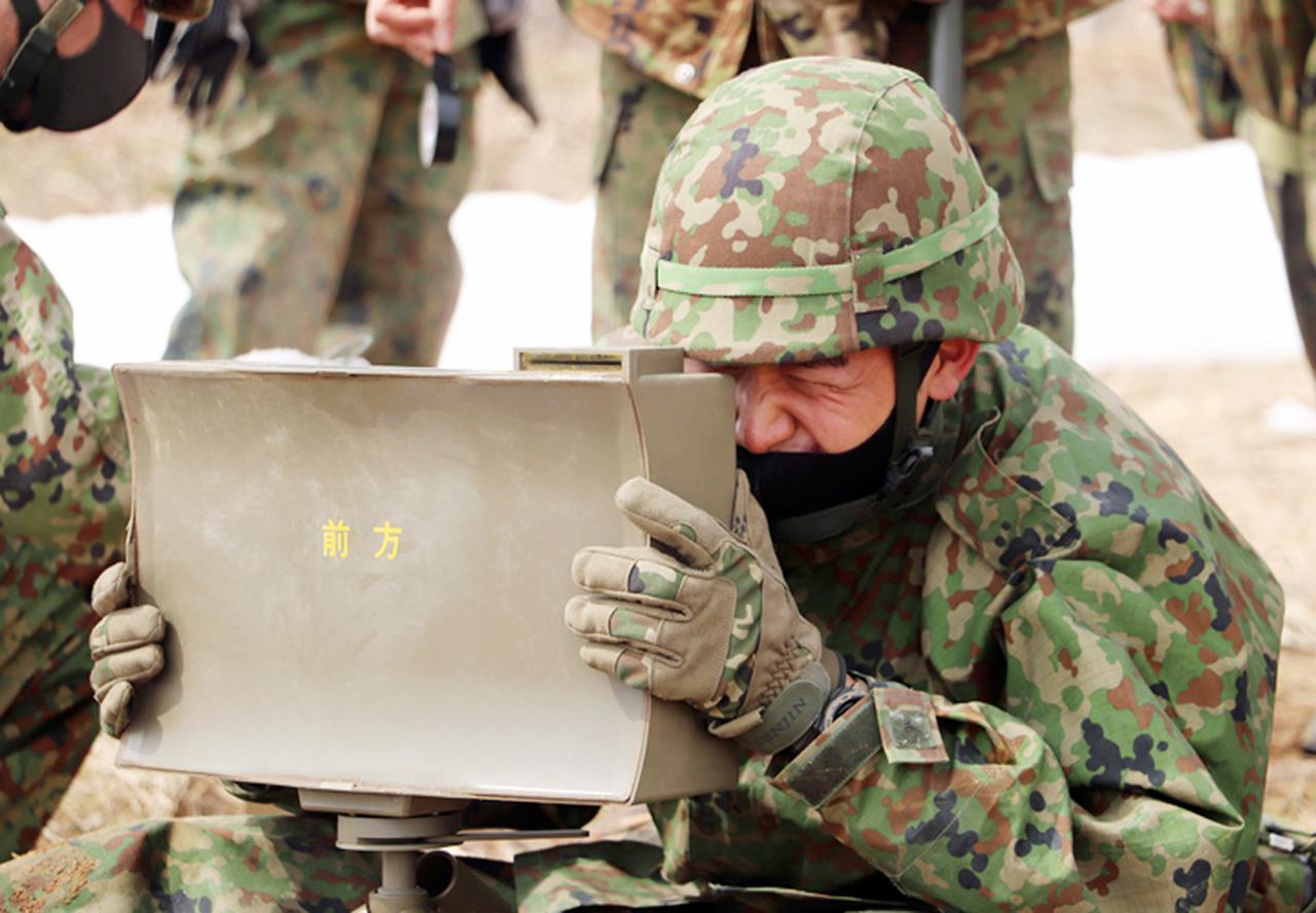 画像: 指向性散弾の設置