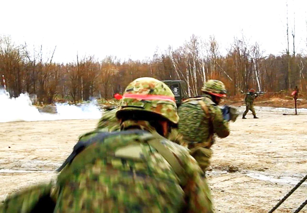 画像: 重要施設防護訓練