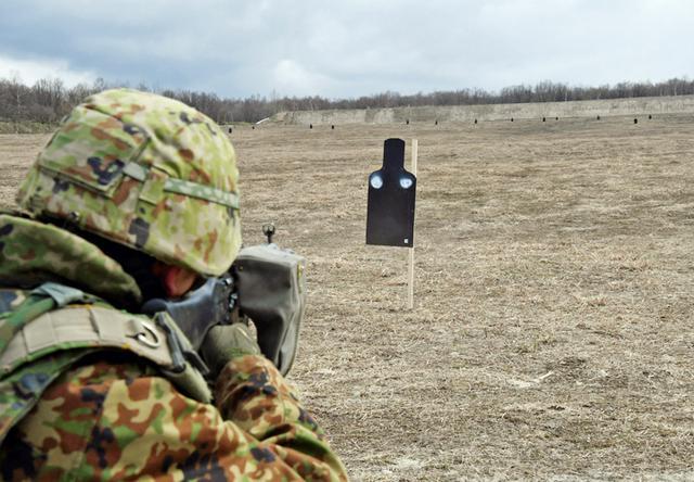画像: 小銃射撃
