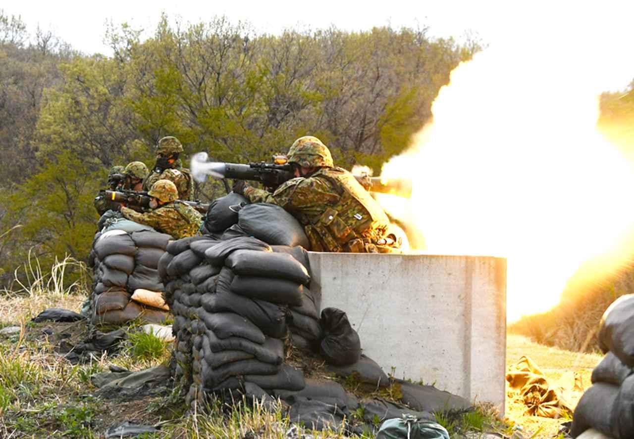 画像6: 中央即応連隊 野営で84ミリ無反動砲を実弾射撃|宇都宮駐屯地