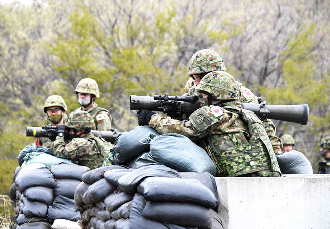画像2: 中央即応連隊 野営で84ミリ無反動砲を実弾射撃|宇都宮駐屯地
