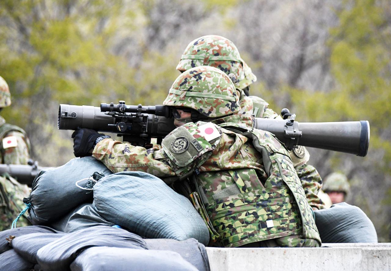 画像3: 中央即応連隊 野営で84ミリ無反動砲を実弾射撃|宇都宮駐屯地