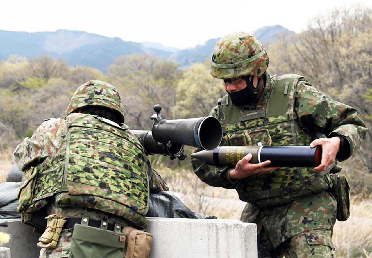 画像4: 中央即応連隊 野営で84ミリ無反動砲を実弾射撃|宇都宮駐屯地