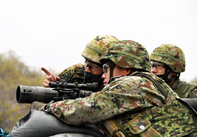 画像7: 中央即応連隊 野営で84ミリ無反動砲を実弾射撃|宇都宮駐屯地