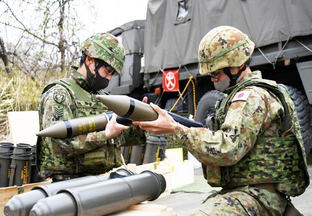 画像1: 中央即応連隊 野営で84ミリ無反動砲を実弾射撃|宇都宮駐屯地