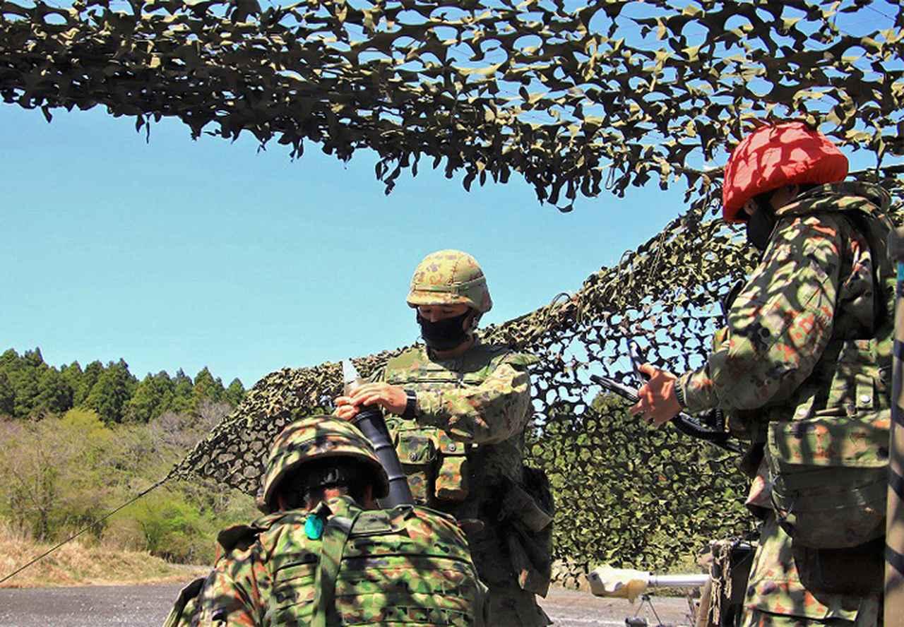 画像1: 切磋琢磨し射撃する分隊