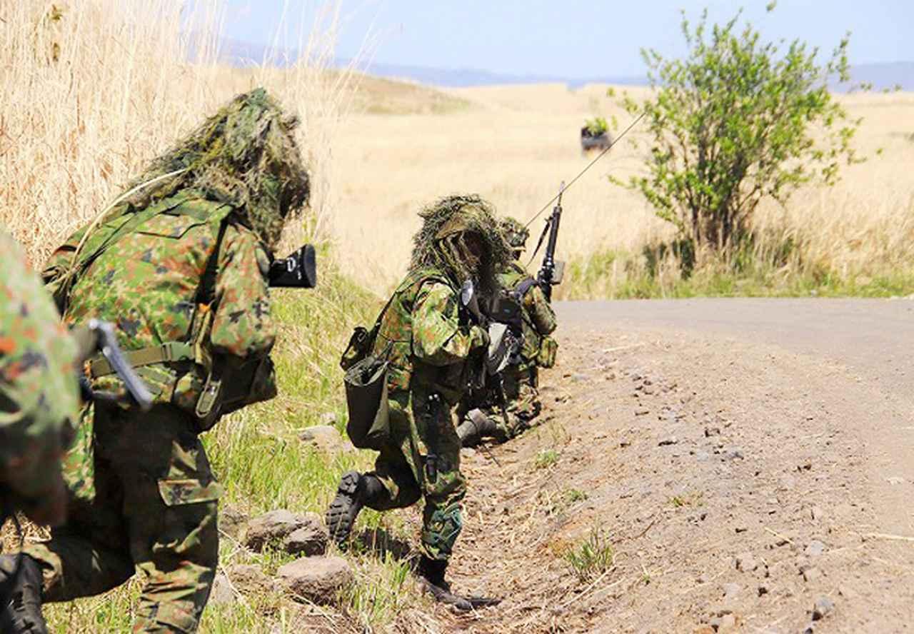 画像2: 戦闘展開し攻撃する小銃小隊