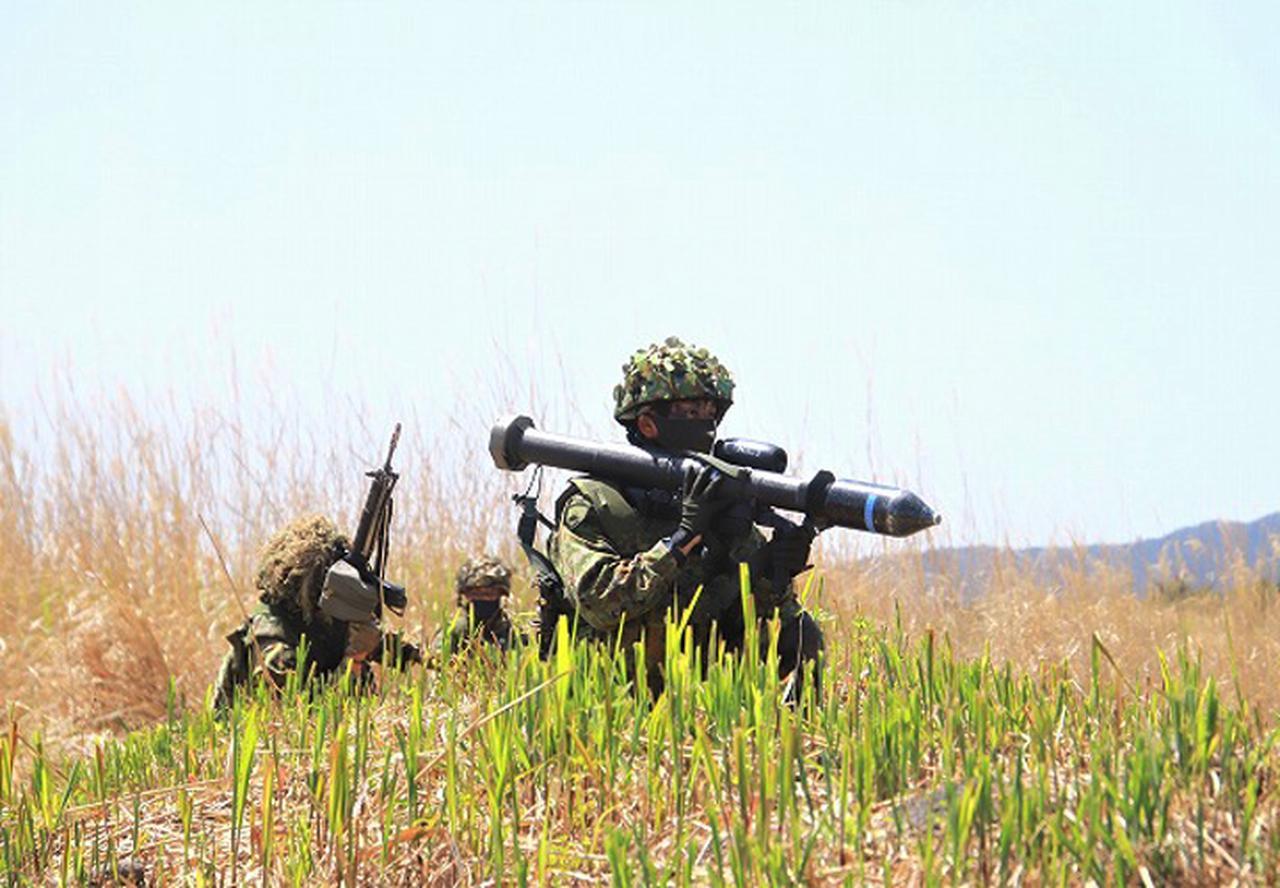 画像1: 戦闘展開し攻撃する小銃小隊