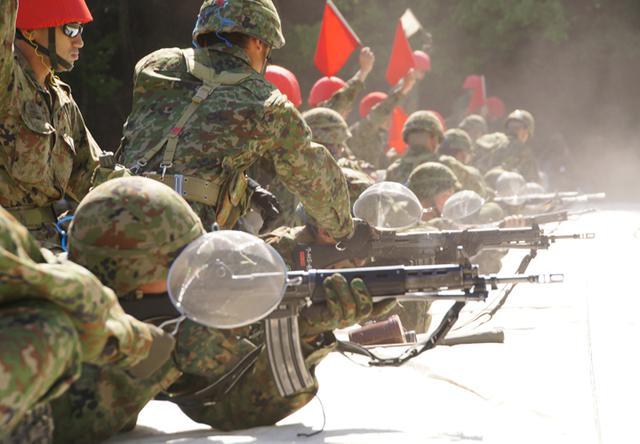 画像4: 入隊後1カ月、自衛官候補生が初めての実弾射撃|福知山駐屯地