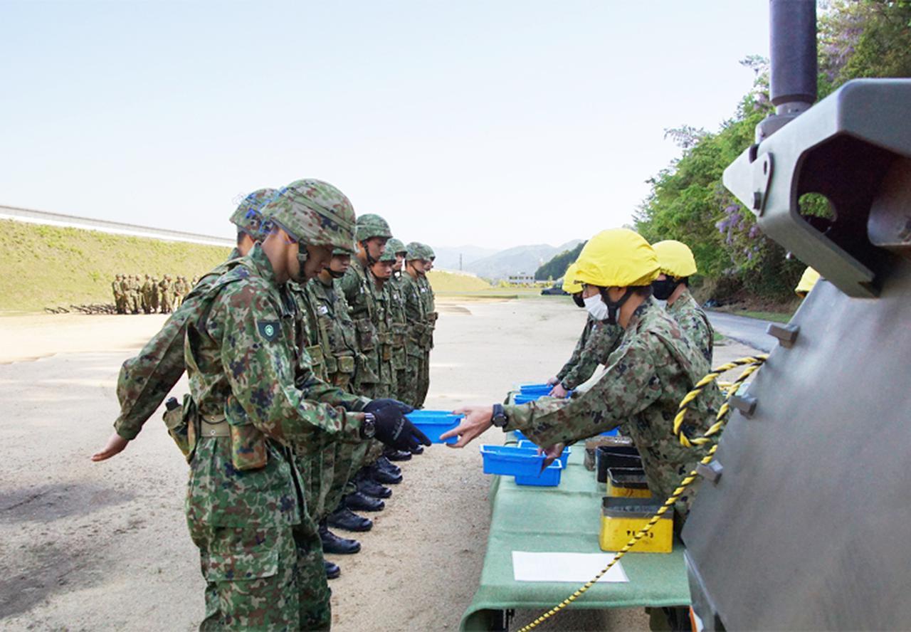画像2: 入隊後1カ月、自衛官候補生が初めての実弾射撃|福知山駐屯地