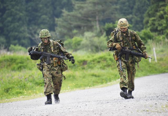 画像1: 「バディの大切さを痛感」12普連が基本戦技訓練 国分駐屯地
