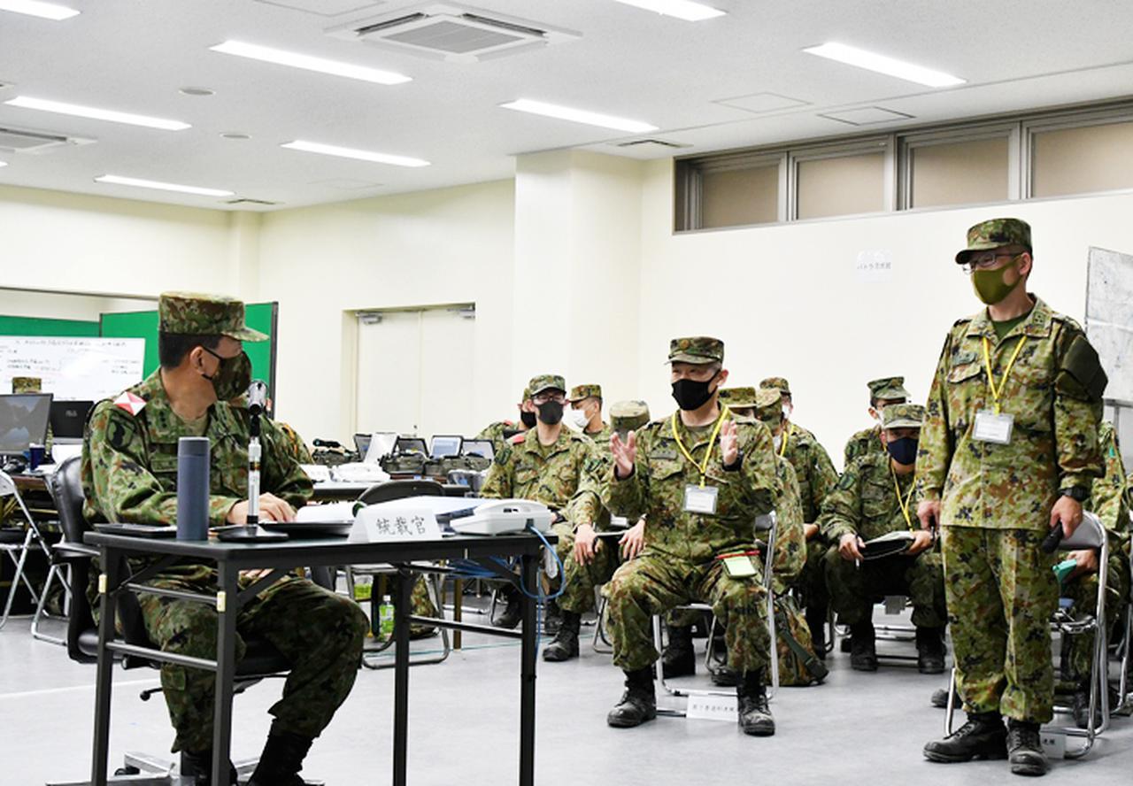 画像: 師団長への課題報告(第7普通科連隊)