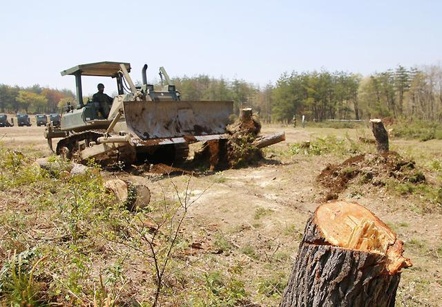 画像10: 春季演習場整備に36普連 訓練施設の機能を回復|伊丹駐屯地