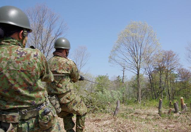 画像12: 春季演習場整備に36普連 訓練施設の機能を回復|伊丹駐屯地