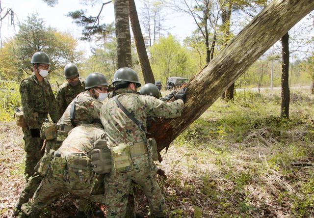 画像13: 春季演習場整備に36普連 訓練施設の機能を回復|伊丹駐屯地