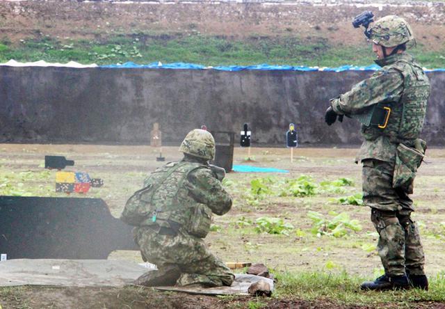 画像: 89式5.56ミリ小銃射撃