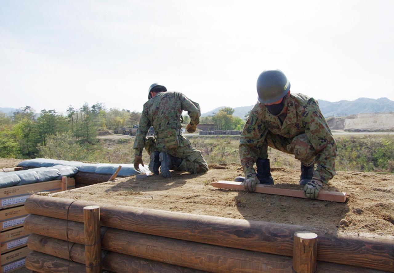 画像2: 春季演習場整備に36普連 訓練施設の機能を回復|伊丹駐屯地