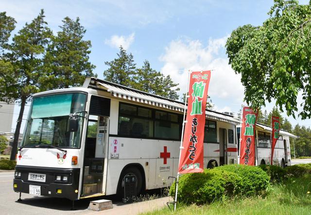 画像1: 万全な感染防止対策のなか61人が献血支援|仙台駐屯地