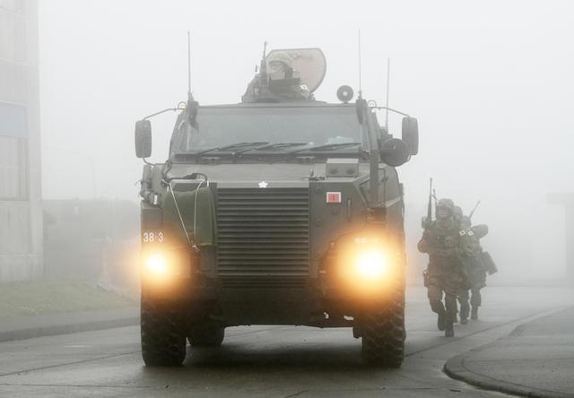 画像: 霧中の市街地訓練場でのRJNO訓練の様子