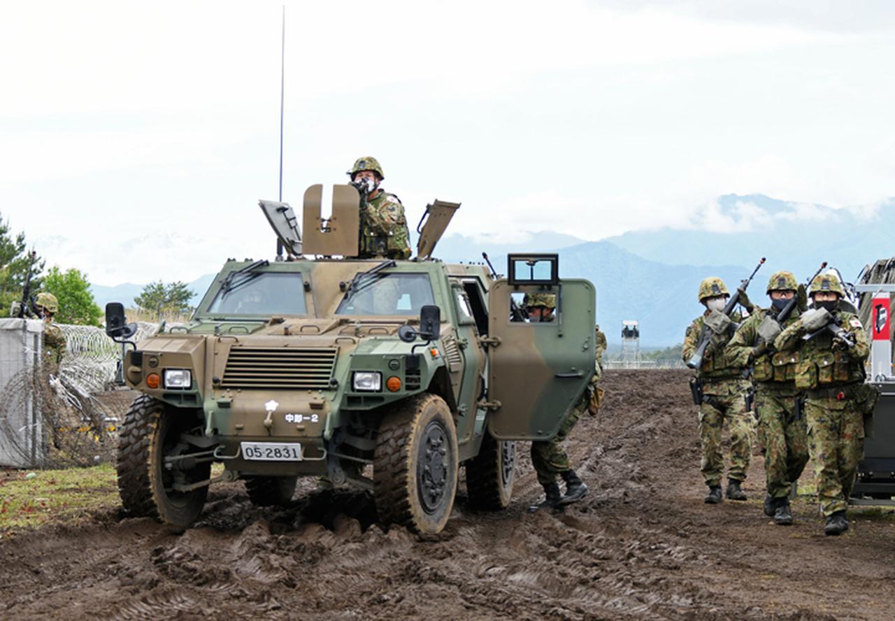 画像: 拠点警備訓練の様子