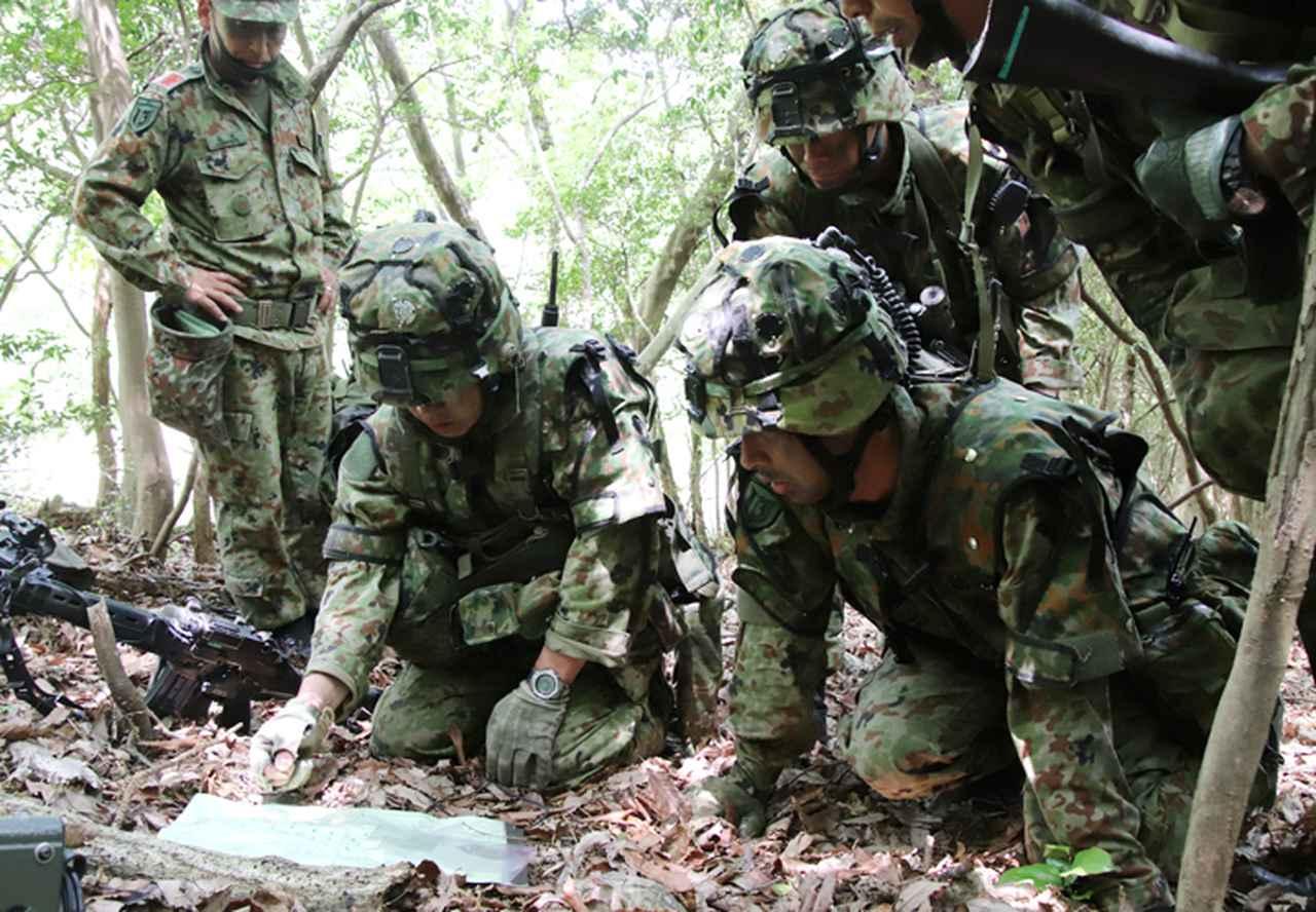画像: 小隊長による戦闘指導