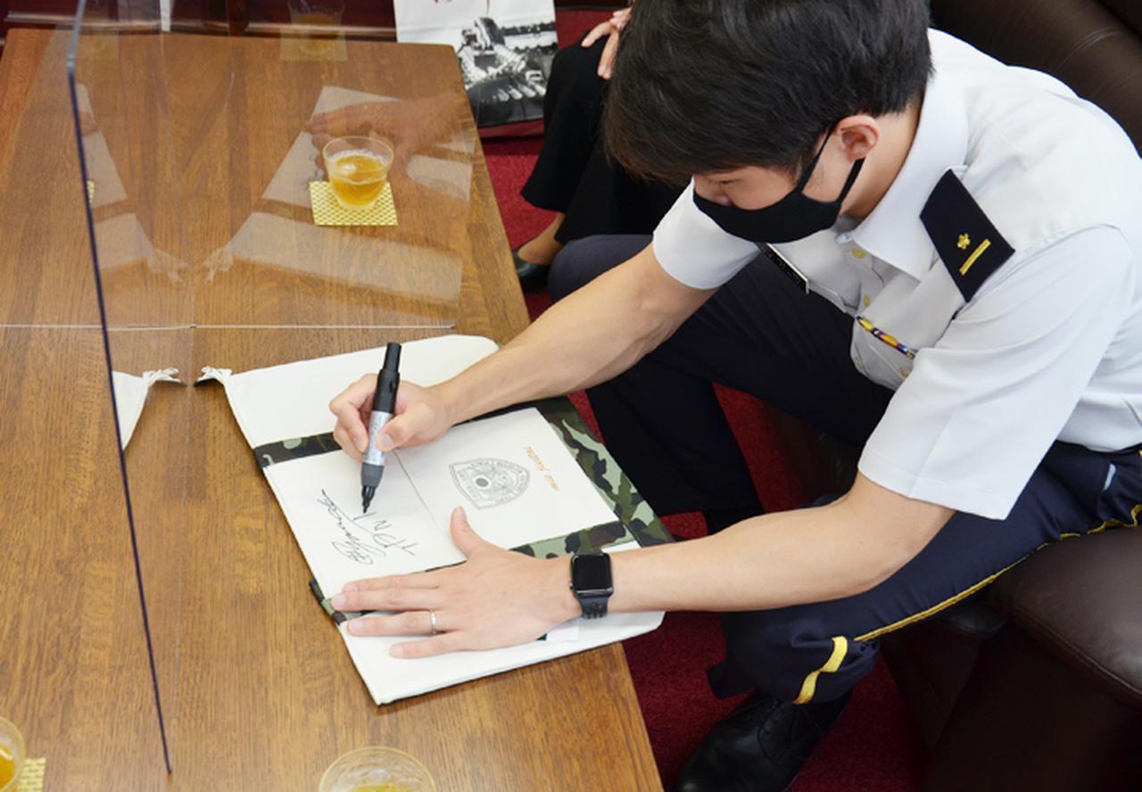 画像3: 東京五輪出場内定の山田3尉が地本・母校を訪問|三重地本
