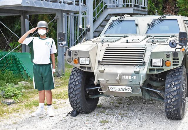 画像4: 中学2年生が体験学習 中には隊員子息の生徒も|陸自対馬警備隊