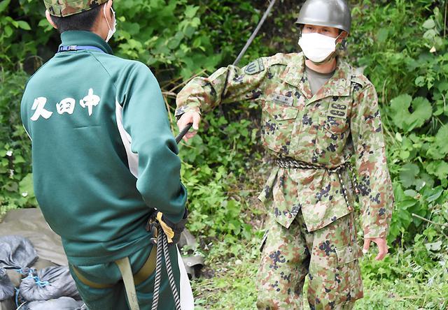 画像3: 中学2年生が体験学習 中には隊員子息の生徒も|陸自対馬警備隊