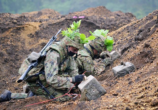画像: 対戦車壕の処理