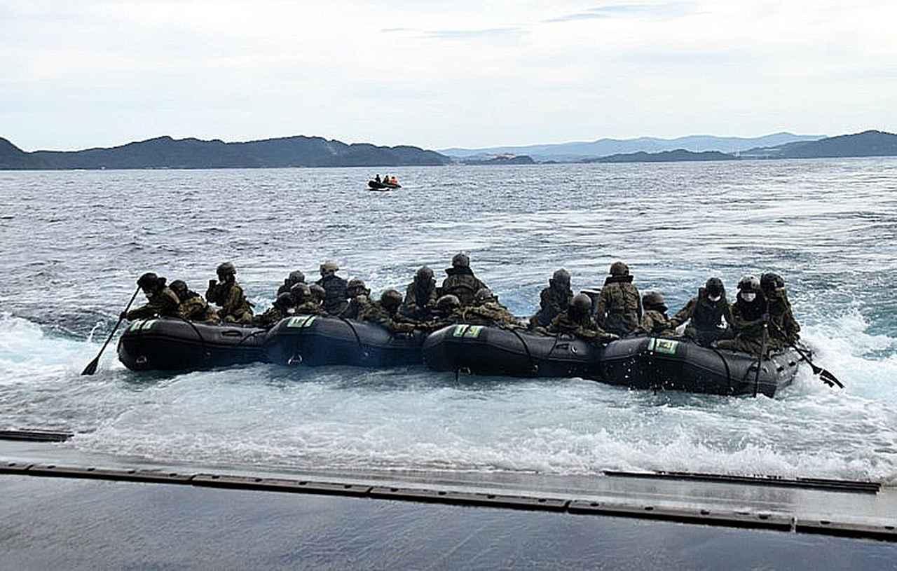 画像3: 海自掃海隊群と陸自水陸機動団が訓練