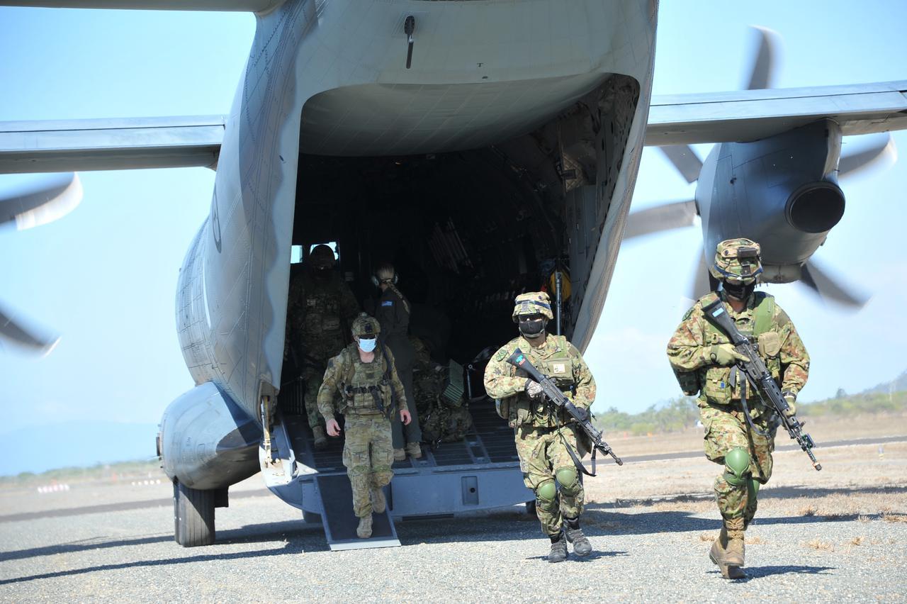 画像3: 水陸機動団が豪米英と実動訓練