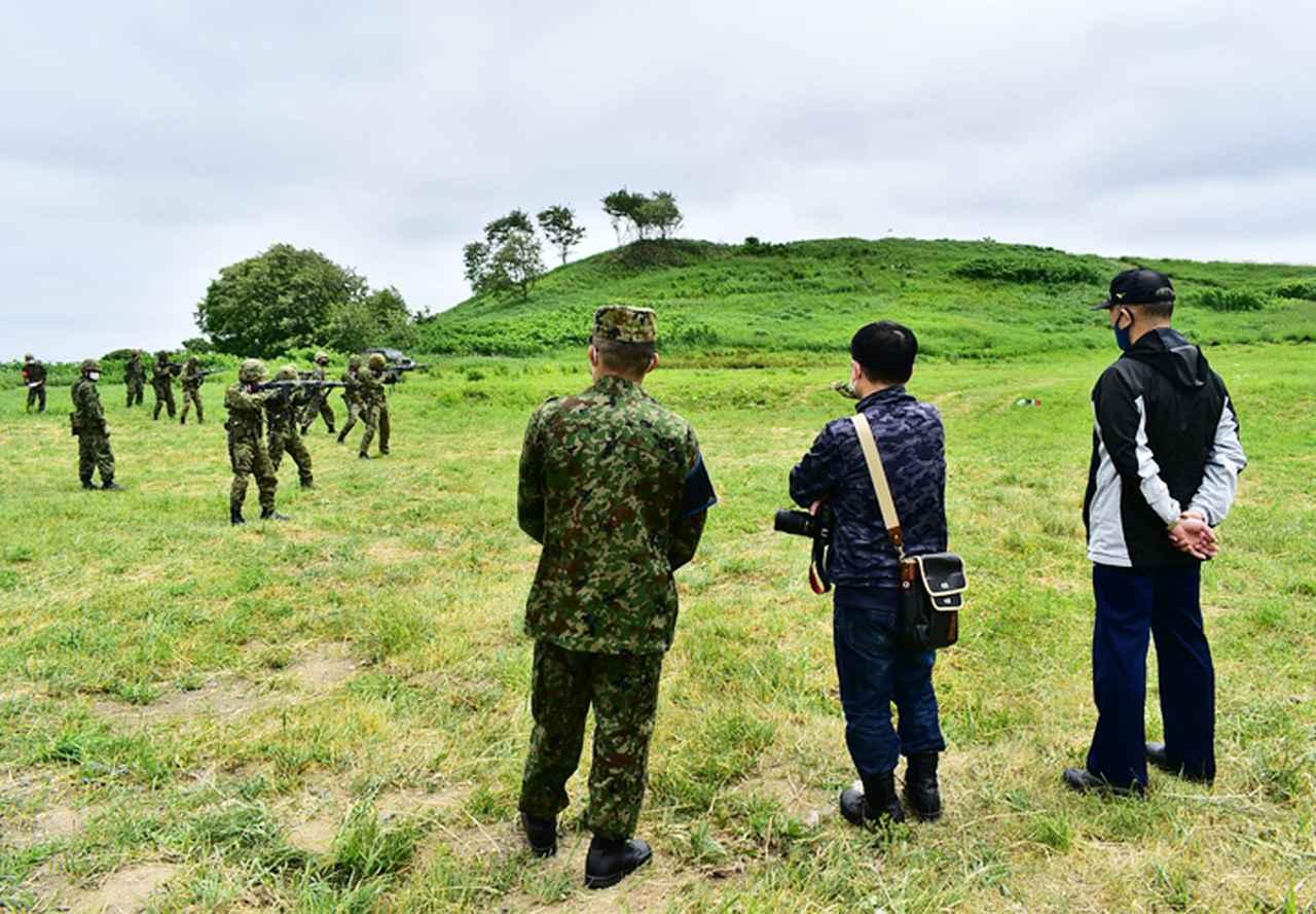 画像: 自衛官候補生戦闘訓練見学