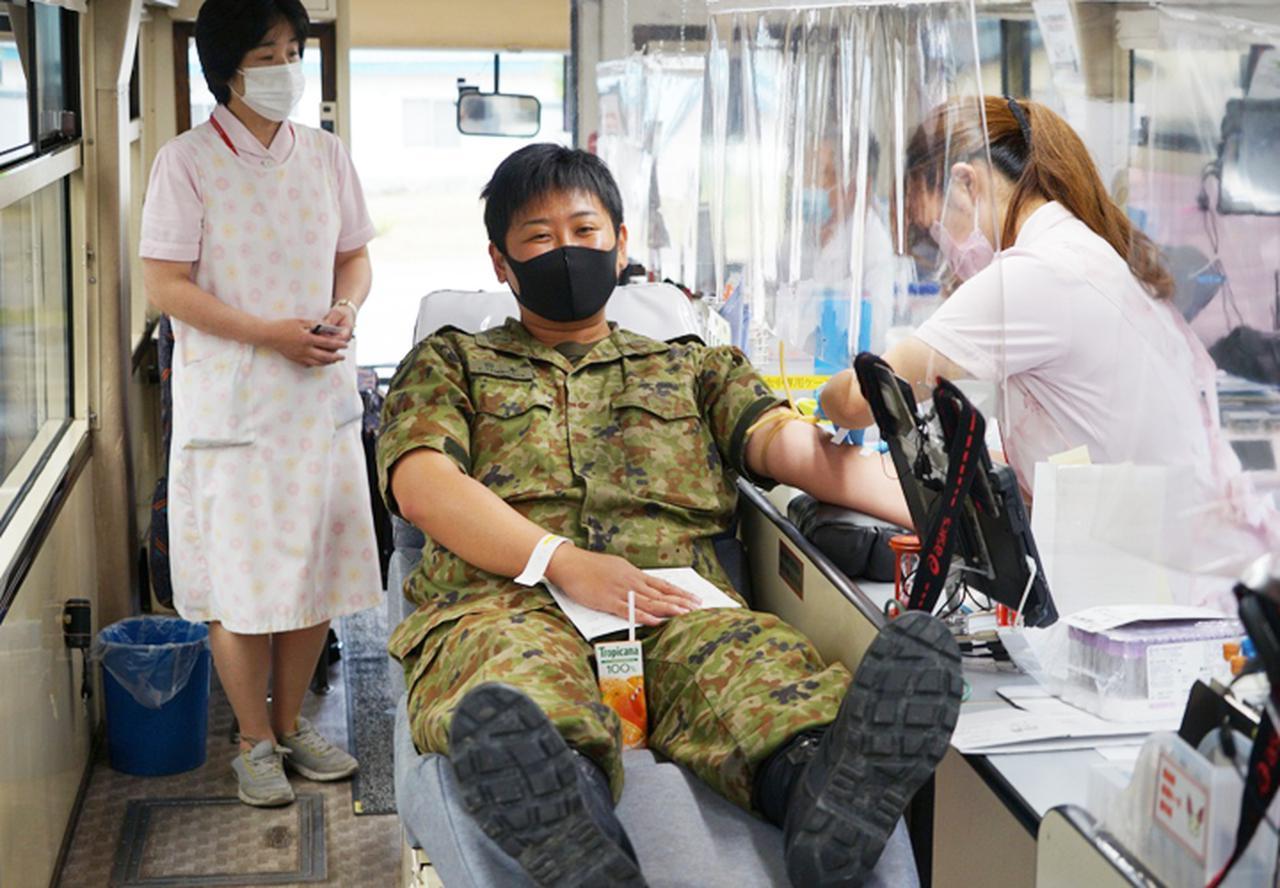画像4: 駐屯地内で献血 隊員の協力で目標数を達成|岩見沢駐屯地