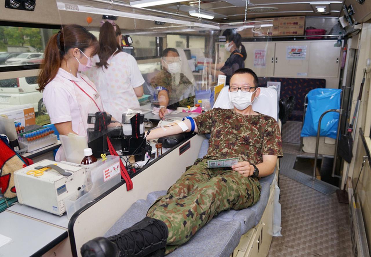 画像3: 駐屯地内で献血 隊員の協力で目標数を達成|岩見沢駐屯地