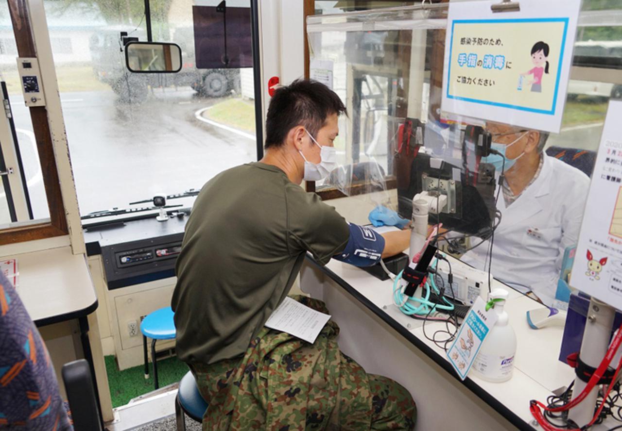画像2: 駐屯地内で献血 隊員の協力で目標数を達成|岩見沢駐屯地